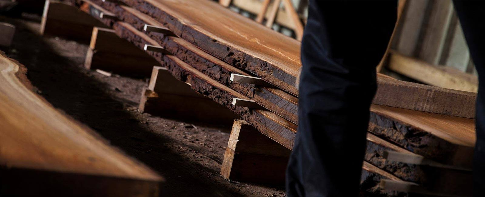 slider-oak-boards-in-stick.jpg.webp